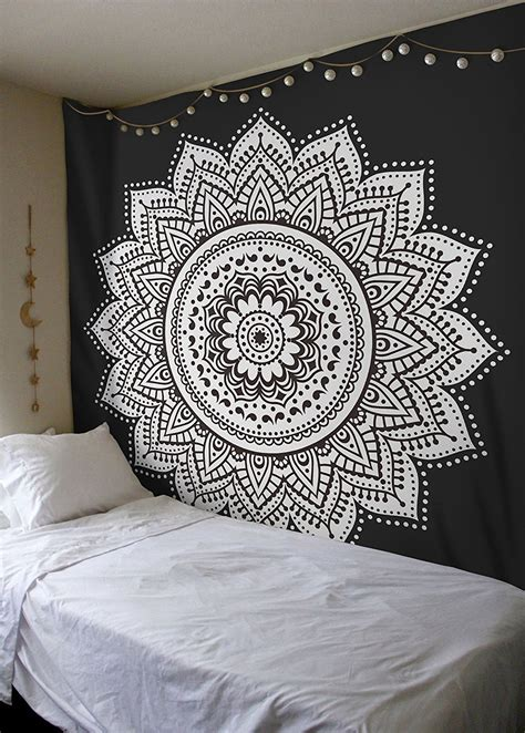 chambre style hindou black white rangoli mandala wall tapestry royalfurnish com