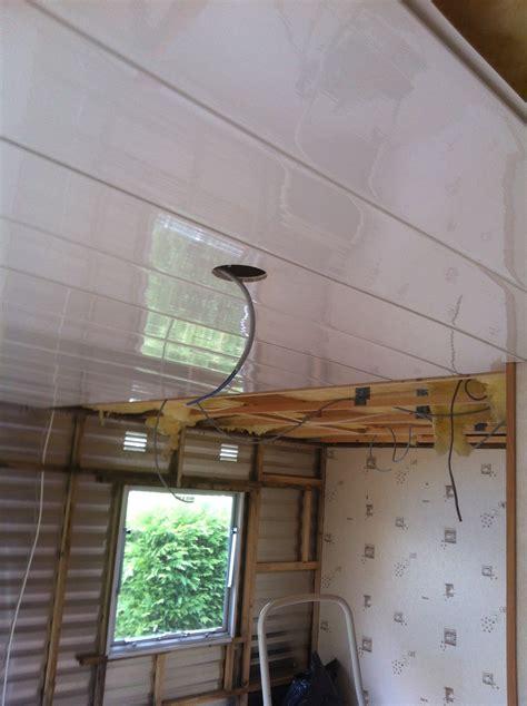 travaux apr 232 s infiltration d eau plafond murs mobil home
