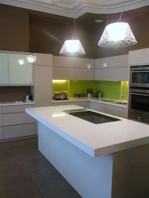 plan de travail cuisine quartz blanc plan de travail pour cuisine en quartz quot blanc absolu