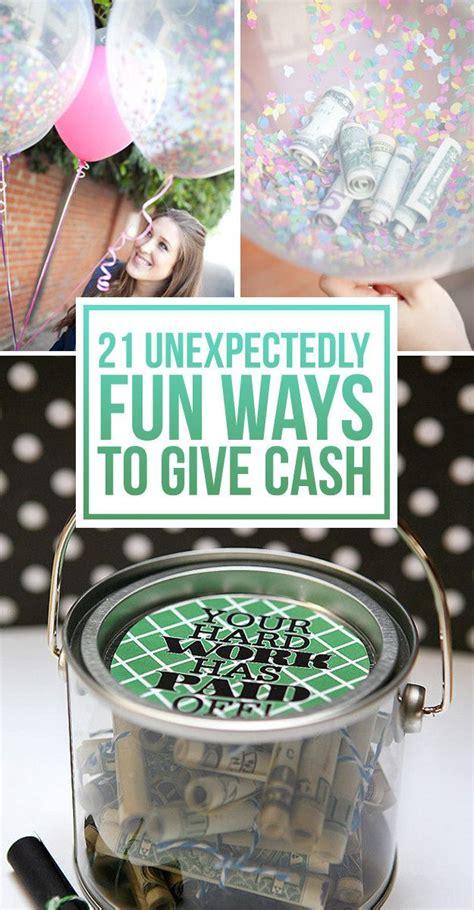 surprisingly fun ways  give cash   gift wedding