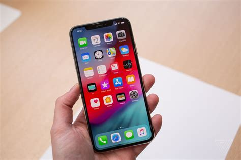 womens pockets    reason  buy  iphone xs