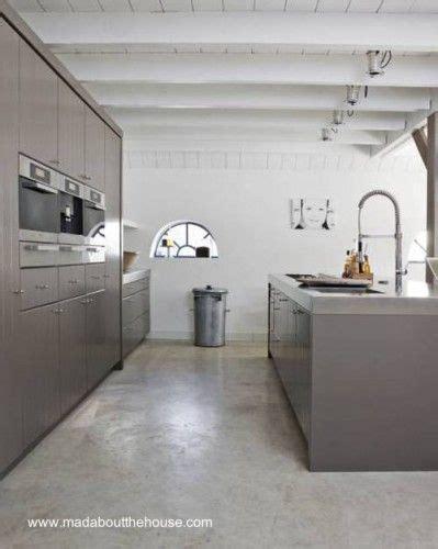 piso de moderna cocina de cemento alisado pmc en