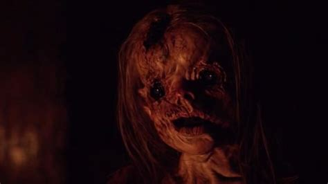Jump Scares In The Hallow (2015)  Where's The Jump?