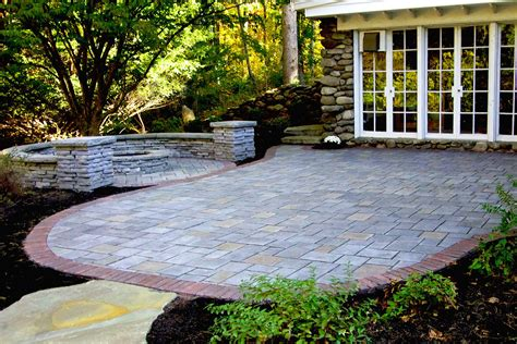 Unilock Rivercrest by Unilock Richcliff Paver Patio With Pit And Rivercrest