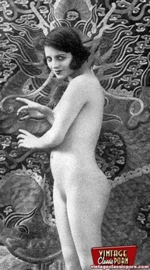 Pretty Sexy Vintage Nudes Standing Naked In The Thirties Xxx Dessert