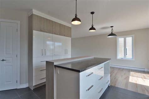 faire un bureau en bois comment acheter des armoires de cuisine prix armoire