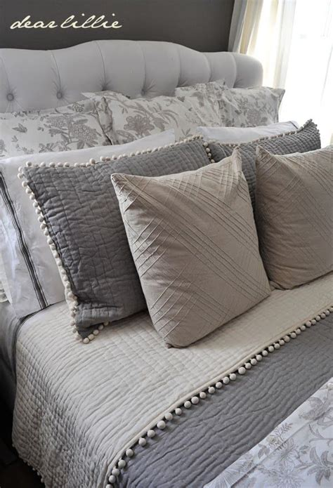 White Accent Pillows For Bed by Best 25 Gray Bedding Ideas On