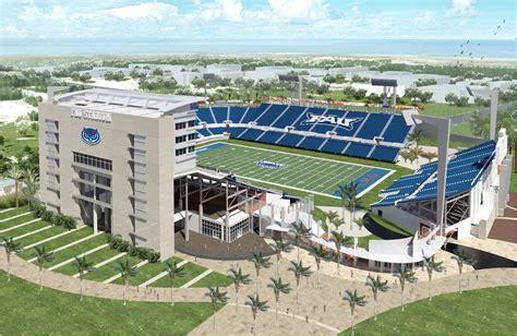 12+ Florida Atlantic University Football  Pictures