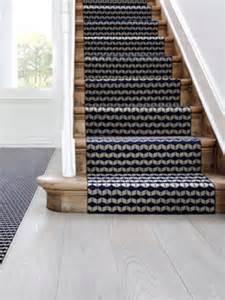 Tapis De Marche Escalier Castorama by 1 Tapis Moderne Pour 1 Escalier Graphique