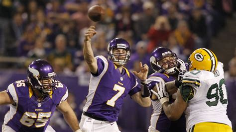 nfl playoff schedule  vikings head  green bay