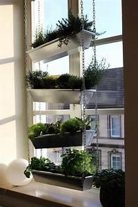 Fensterbank Zum Sitzen Bauen : vertikaler garten im wohnzimmer mit anleitung zum ~ Lizthompson.info Haus und Dekorationen