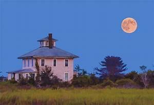 Old Pink House And Full Moon Newburyport Massachusetts