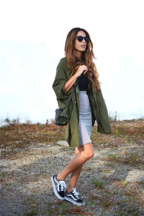 7 stylish ways to wear sneakers at school - Page 5 of 7 - myschooloutfits.com