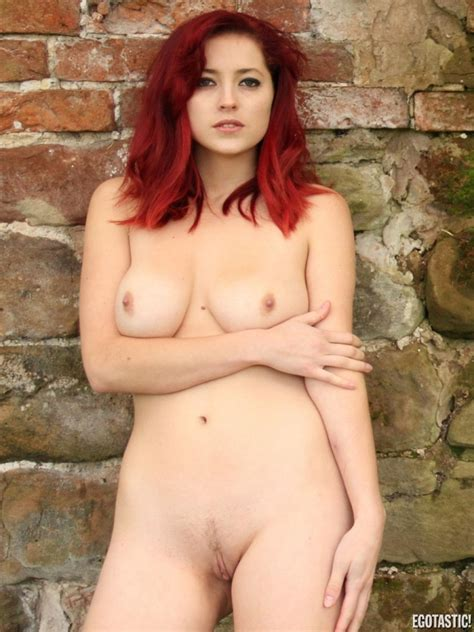 Lucy Collett Nude Photo Set Nsfw Clout Magazine