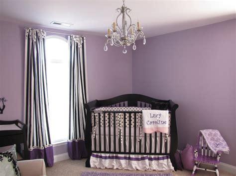 chambre couleur parme chambre bebe parme et blanc idées décoration intérieure