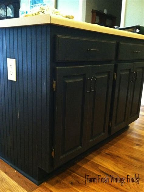 How to Paint Cabinets Using Annie Sloan Part 3   Farm