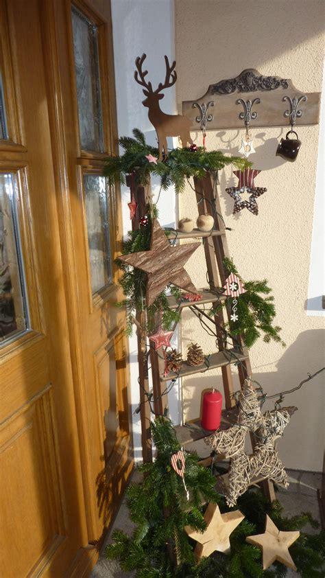 deko mit alten büchern haust 252 r deko mit alter leiter weihnachtsdeko weihn