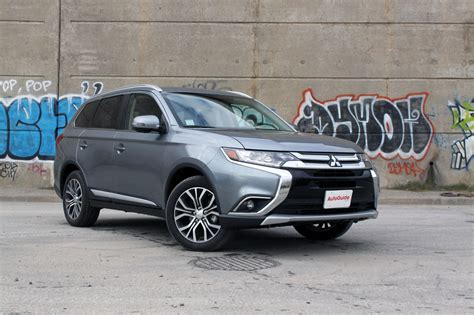 Reviews Of Mitsubishi Outlander by 2017 Mitsubishi Outlander Review Autoguide News
