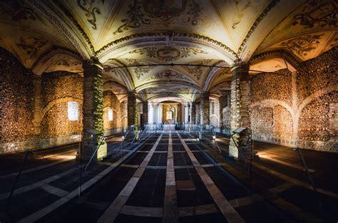 วิหารโครงกระดูกแห่งโปรตุเกส ประดับด้วยกระดูกมนุษย์นับ 5 ...