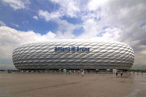 si鑒e allianz calcio a monaco il bayern e l 39 allianz arena