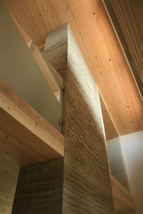 Moderne Haeuser Bauen Architektur Baustoffe Technik by Stall Plazza Pintgia Lehm Ton Erde Martin Rauch