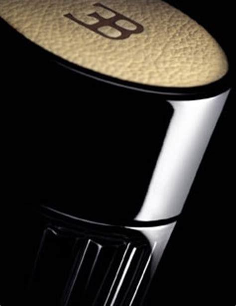 O perfume pureblack de bugatti é uma homenagem à obra prima que nasceu entre a fusão do carbono e do alumínio. Pureblack Bugatti colônia - a fragrância Masculino