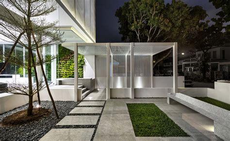 open plan singapores greja house  designed  promote