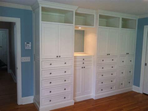 hand  master bedroom built   borders woodworks