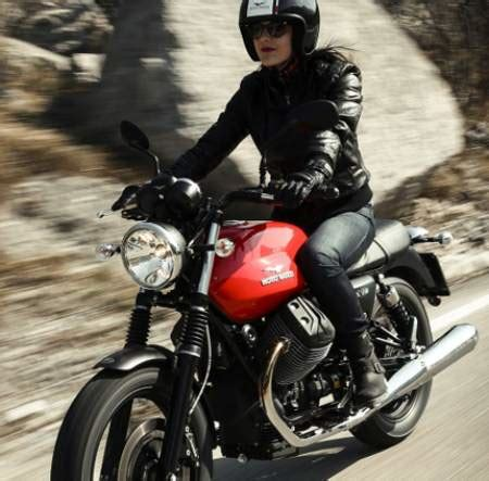 Moto Guzzi V7 Ii 4k Wallpapers by Moto Guzzi V7 Ii 2015 Drive Bikes Doctor