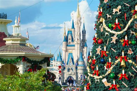 christmas holidays decorations   magic kingdom