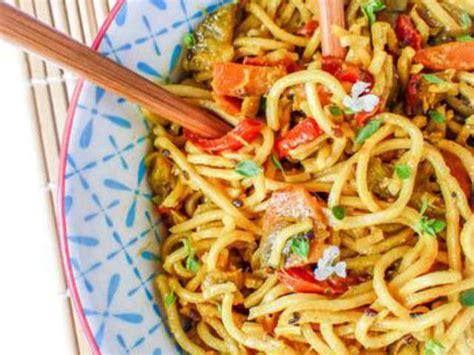 comment cuisiner les nouilles chinoises recettes de nouilles chinoises et lait