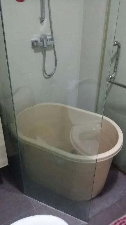 Spa Tubs For Bathroom by Small Soak Portable Bathtub Fits Condo And Hdb