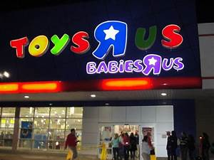 Black Thursday: Toys 'R' Us Opens at 9 p.m.Thanksgiving ...