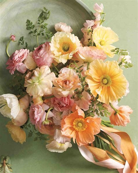bouquets inspired    popular wedding flowers