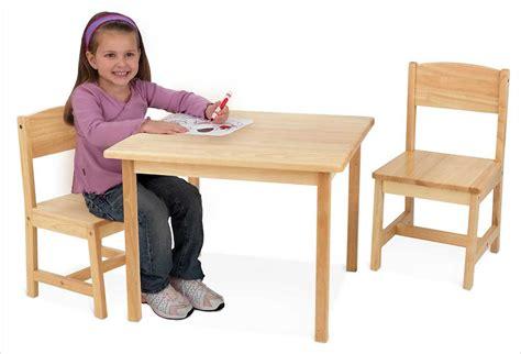 chaise pour enfants table en bois blanche pour enfant et 2 chaises kidkraft