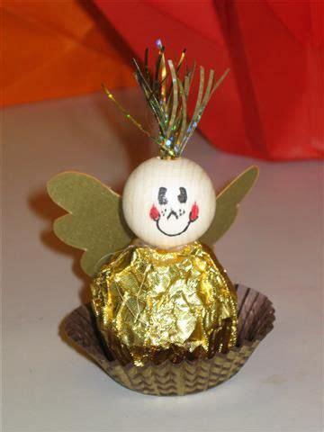 ferrero rocher bastelanleitung pin sonja leicher auf basteln weihnachten geschenke und basteln weihnachten