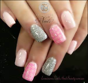 Acrylic nail designs with bows and glitter for
