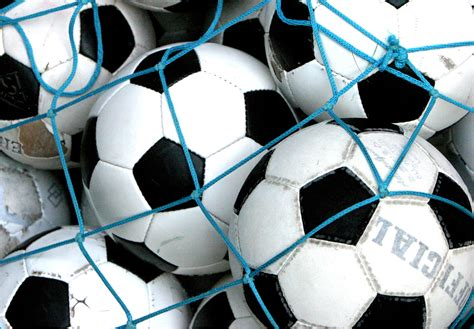 Wo Fussball Gucken by Fu 223 Weltweit Die Fu 223 Bundesliga Gucken Misses