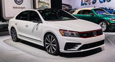 volkswagen 2019 lineup vw cuts 2019 passat lineup to just two trim levels drops