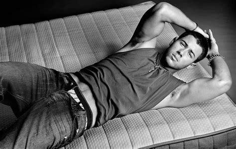 Nick Jonas Height Weight And Body Measurements