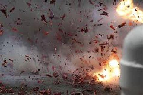 3 killed, 28 injured as blast rocks mosque in Pakistan