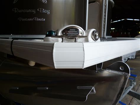 Pontoon Fuel Tank by Luxury And Sports Pontoon Boats Runaway Bay Pontoon Boats