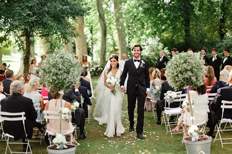 top tips for a guest friendly summer wedding in