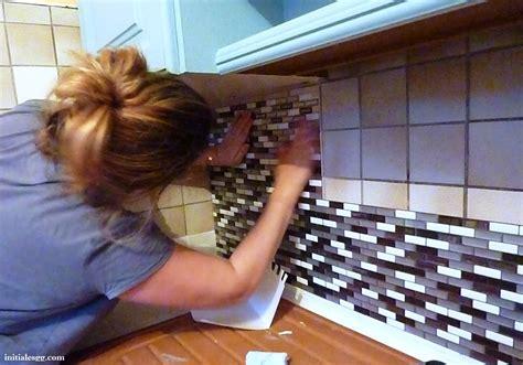 recouvrir carrelage cuisine test le carrelage adhésif par smart tiles initiales