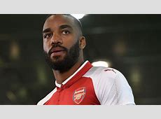 Alexandre Lacazette joins Arsenal for club record £465m