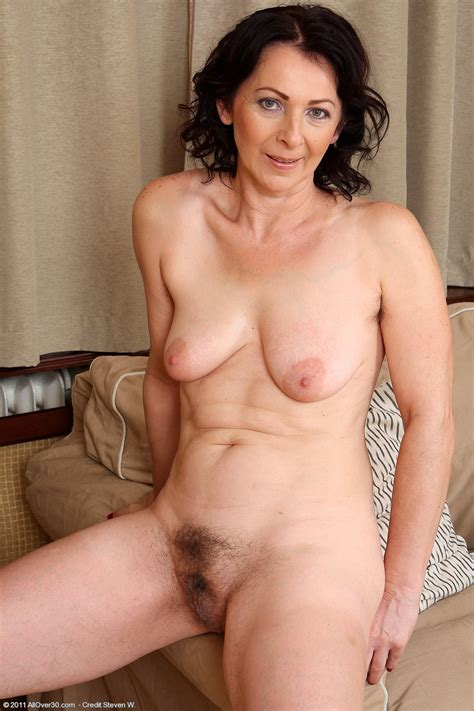 Old Naked Women Hairy Solo