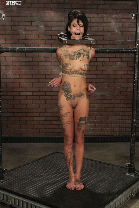 Tattooed Goth slaved restrained and cumming - Pichunter