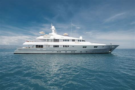 Yacht Luxury by Dubois Naval Architects Image Gallery Luxury Yacht