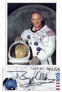 Lot Detail - Buzz Aldrin Signed 8'' x 10'' NASA Photo