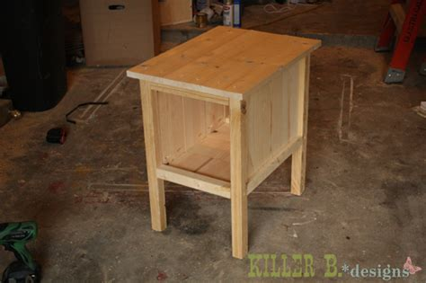 Bedroom End Tables Plans by White Quot Tidy Up Quot End Table Diy Projects
